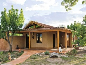 homes with guest houses